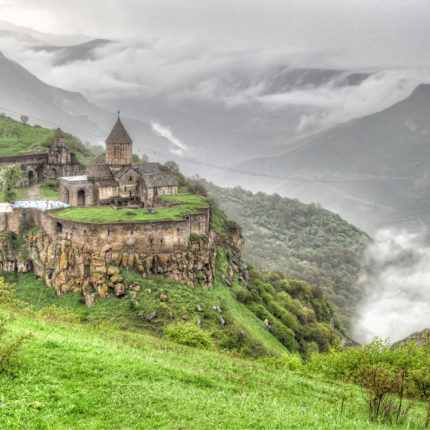армения, татев, татевский монастырь, горис, канатка татев, крылья татев, туры в армению