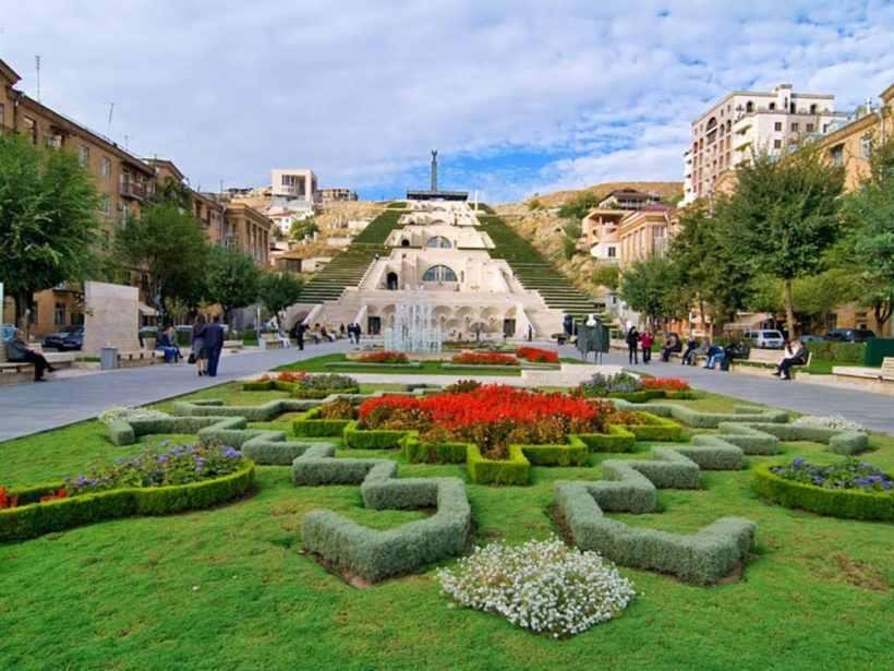 «Каскад» — архитектурно-монументальный комплекс в Ереване