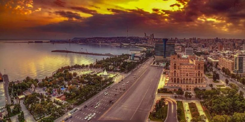 Вечерний Баку, Азербайджан