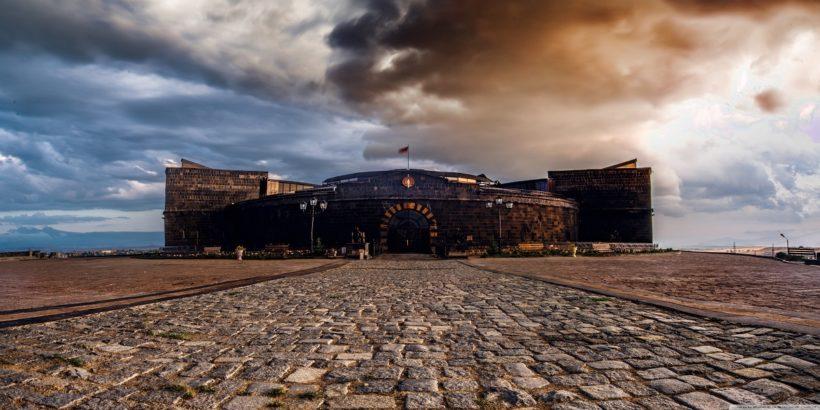 Черная крепость в Армении