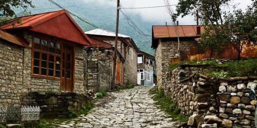 Высокогорный поселок Лагич в Азербайджане