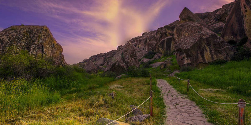 Гобустан – занесен в список Всемирного наследия ЮНЕСКО.
