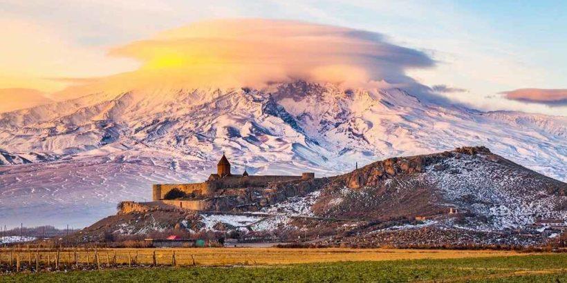 Монастырь Хор-Вирап в Армении