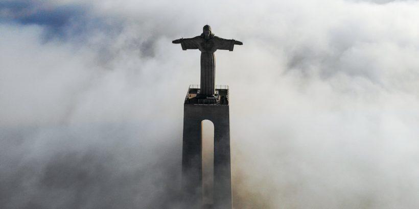 Статуе Христа в Португалии