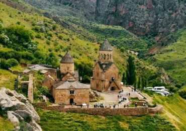 армения, нораванк, монастырь, достопримечательности, туры в армению