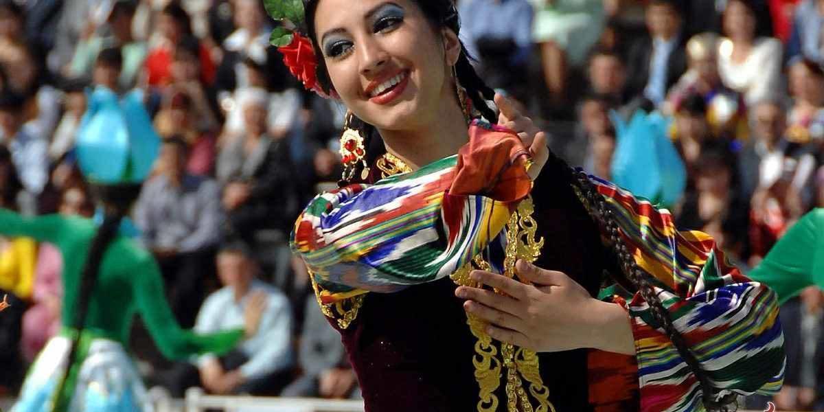 продавца консультанта таджички в празднике навруз фото девушки ради фотосессии