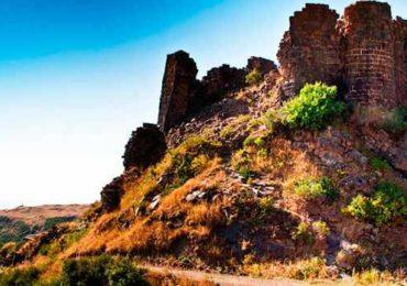 армения, крепость амберд, арагац, фильм сволочи, туры в армению